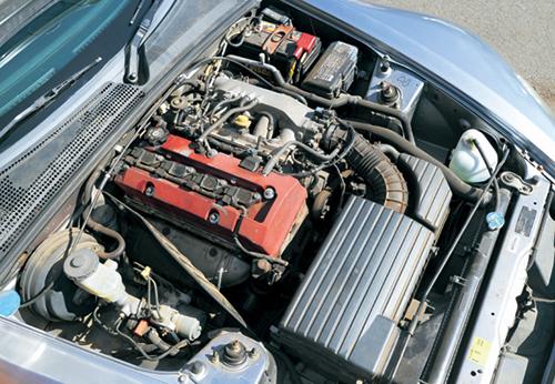 エンジンは250ps/22.2㎏mを発揮するF20C型2ℓVTEC。2.2ℓとなり、低速トルクが太った後期型よりも高回転域の伸びがあるのが特徴だ