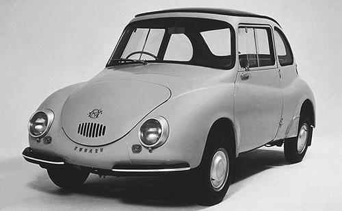 日本初のモノコックボディ、スバル360。この頃から乗用車の車高が低くなる