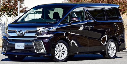 '16年12月の販売台数7520台。直4、2・5ℓのガソリンとハイブリッド、V6、3・5ℓのガソリンと選択肢も豊富