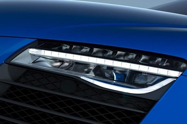 アウディ R8 LMXのレーダーヘッドライト。新基軸の登場で車の表情がまた変わるかもしれない