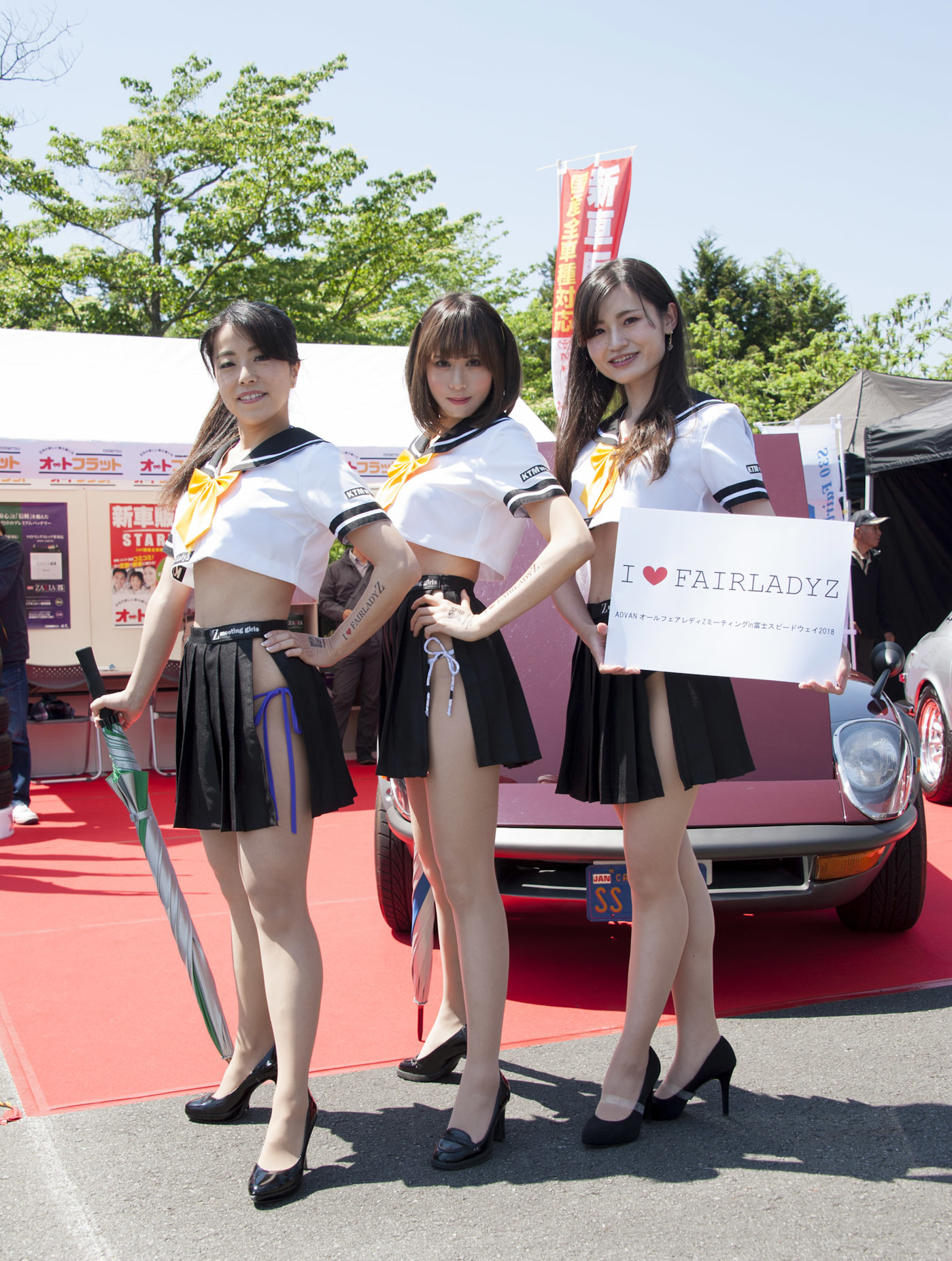イベントコンパニオン「Zミーティングガールズ」の皆さんもイベントを盛り上げてくれた。(写真右)和輝、(中)羽生ゆか、(写真左)八重子