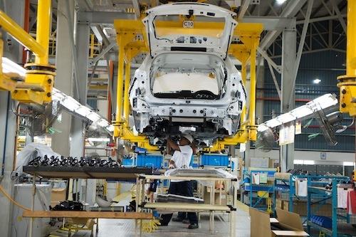 工場での生産効率は常に変化を続けるが販売方法は何十年も変わらない