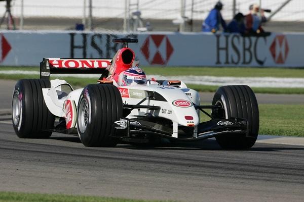 2003年にはインディ500の舞台、インディアナポリススピードウェイのオーバルコースに、インフィールド区間を組み合わせたコースでF1の表彰台に上がっている