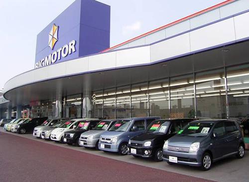 高く買い取った車両を低コストで販売。そんな強みの店舗も増加