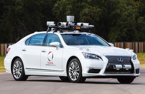 IT各社が自動運転に参入するのは決して利便性の追求だけではない。移動中に蓄積されるビッグデータも大きな資産になるからだ。トヨタはすでに人工知能研究が目的の子会社を設立している