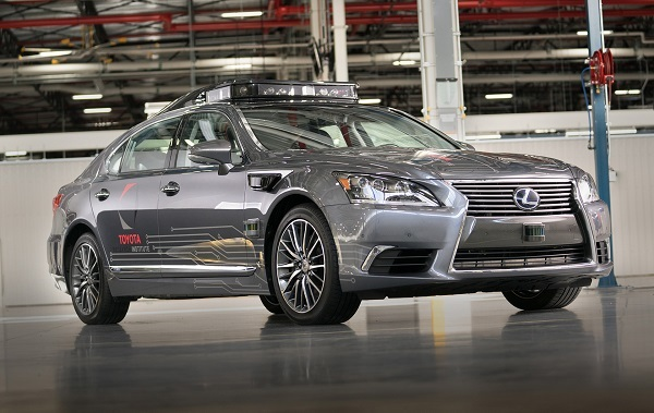 こちらはトヨタが2018年1月に公開した次世代の自動運転実験車(ベースはLS 600hL)