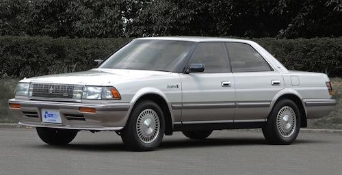 華の1989年に自動車税などの区分がかわりワイドボディや大排気量エンジンの搭載も身近になった。4LV8を搭載した
