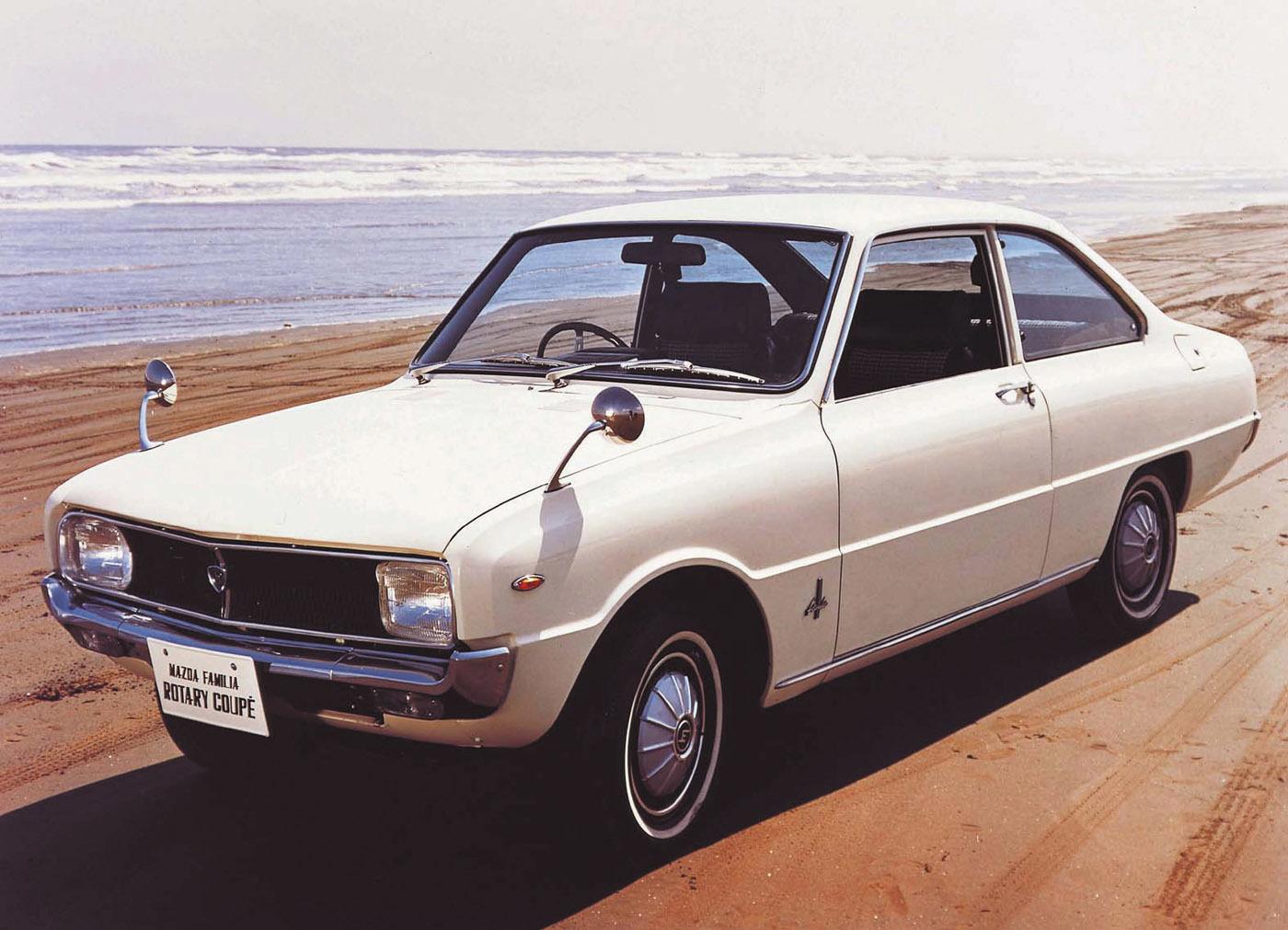 1968年11月、マツダとしては(コスモスポーツに次いで)2台目のロータリーエンジン搭載車となったファミリア。「ロータリークーペ」というグレード名(?)だった