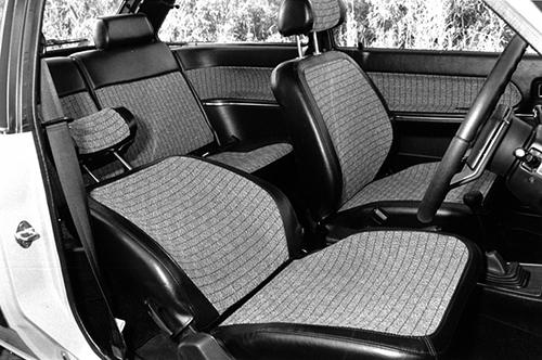 シートも欧州仕様に採用される大型バケットシートとなり、ホールド性をアップさせている