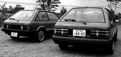 左が姉妹車のフォードレーザーターボで右がファミリアターボ。レーザーターボは車重が860kgと5kg軽かった