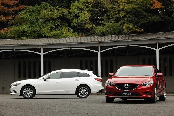"""フルSKYACTIV車、第二弾となった2012年発売の現行アテンザ。これ以降モデルチェンジしたアクセラ、デミオ、CX-3にも""""SKYACTIV-MT""""が設定。2011年以前は一部モデルにしか設定されていなかったマツダのMT車は大幅に増加した"""