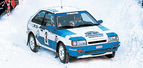 1985年のスウェディッシュラリーで優勝し、「雪の女王」と言われた6代目ファミリア