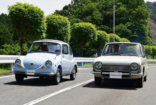 スバル360(左)とスバル1000(右)。当時のエンジニアがいか知恵を絞ってクルマを作ったか感じさせる