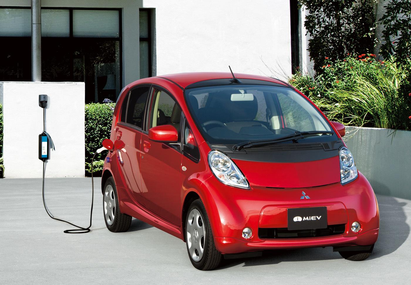 三菱 i-MiEV(現行型2010年4月個人向け販売開始)