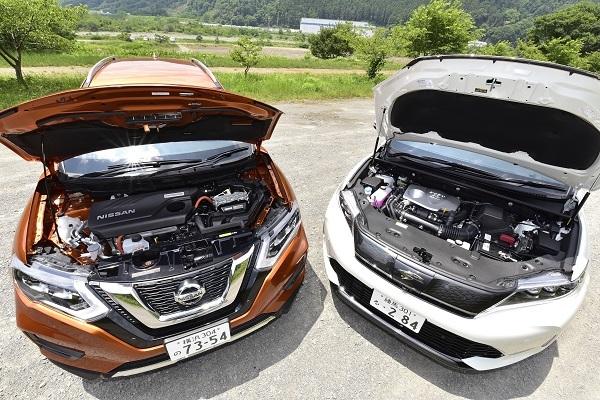 エクストレイルなどと競合するハリアー(右)は2017年のマイナーチェンジで2Lターボエンジン車を追加