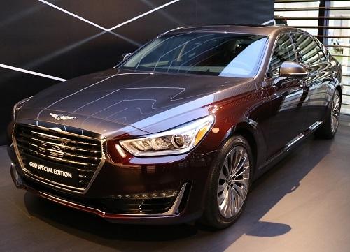 G90は高級車感あふれる1台。外観はなにかの模倣にも見えるが、うかうかしていると脅威になるかもしれない
