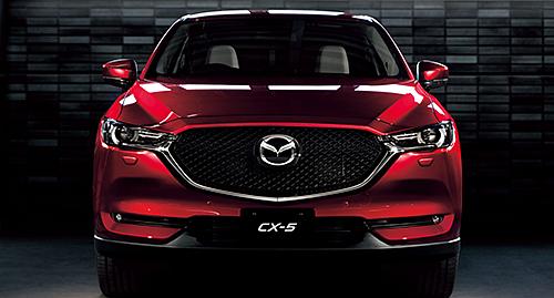 今までの「ソウルレッド」とは異なるカラーを採用した新型CX︲5