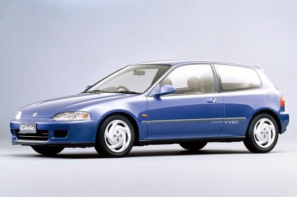 1991年登場の5代目、通称スポーツシビック。同車をはじめ1990年代初頭までハッチバックは3ドアが主流だった