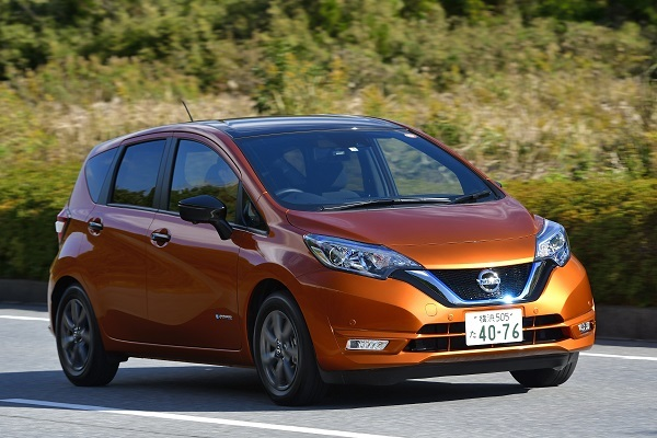 2016年にe-POWERを追加し、サニー以来となる車種別月販販売台数1位にも輝いたノート。コンパクトカーでは