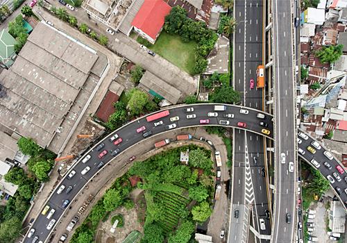 関越道寄居PAスマートインターチェンジはPA接続型インターチェンジ。ETCを搭載した全車種対応で上下線とも出入り可能な一旦停止型フルインターだ(画像はイメージ)