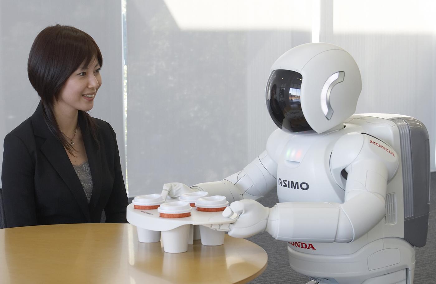 ホンダの二足歩行ロボット研究は「人との協調」を目指して開発の蓄積が続けられてきた。多くの現場で経験値が積み上げられてきているが……