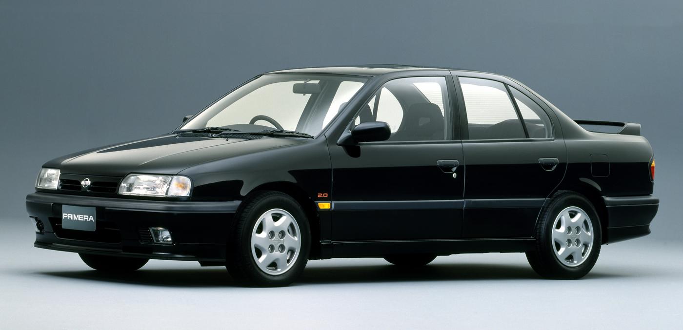 1990年に登場した初代プリメーラ。日本車がある種の頂点を迎えていた時代に登場した名車