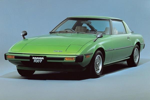 930型ポルシェ911と同時代、1978年に初代サバンナRX-7が純正装着したのは185/70 HR13というタイヤ。