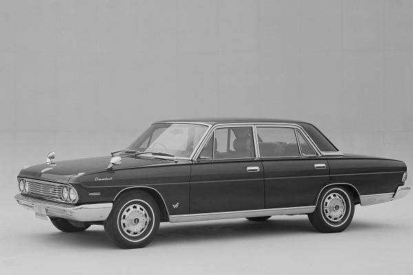 初代プレジデント(1965-1990)/全長×全幅×全高:5045×1795×1460mm。