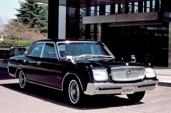 初代センチュリー(1967-1996)/全長×全幅×全高:4980×1890×1450mm、価格: