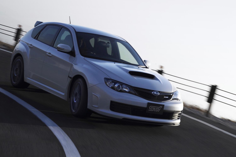 STIが手がけるコンプリートカーには「S」の名が付くが、2010年発売の限定車には「R205」の名が付けられた例もある
