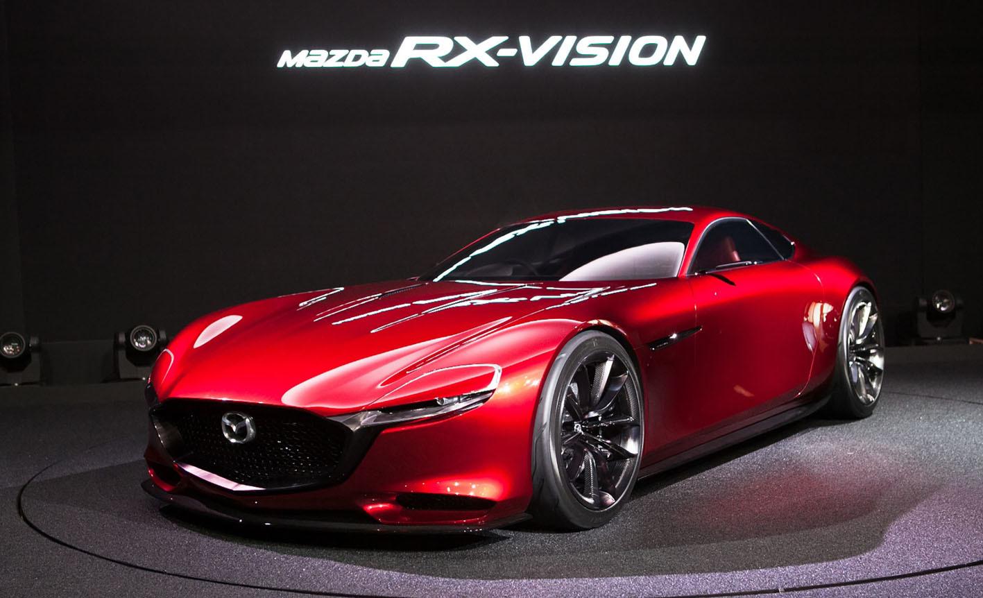 こちらは2015年の東京モーターショーに出品された「RX-VISION」。ロータリーエンジンを搭載して市販……つまりRX-7の後継車として期待された