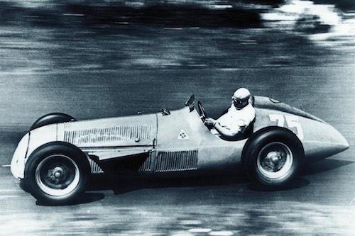 1951年のF1を戦ったアルファロメオ159。後に通算5度のF1王者となるファン・マヌエル・ファンジオらが駆った