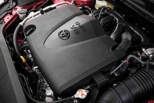 新型カムリに搭載されるV6エンジン(日本未発売)