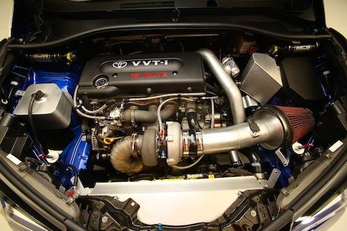C-HRに載った2AZ-FE。日本だとエスティマなどに使われていたエンジン。タービンがでかい……