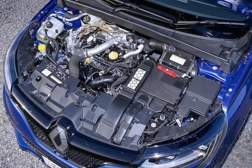 """""""テンロク""""ターボは205psを発揮。扱いやすいエンジン性能も魅力的"""