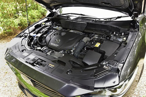 CX-8の2.2Lディーゼルエンジン。何気ないようで実はすごいテクノロジー