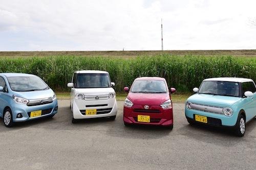 写真のデイズ、N-BOX、ラパン、ミライースは4車種とも自動ブレーキ搭載グレードを持ち、割引対象となる