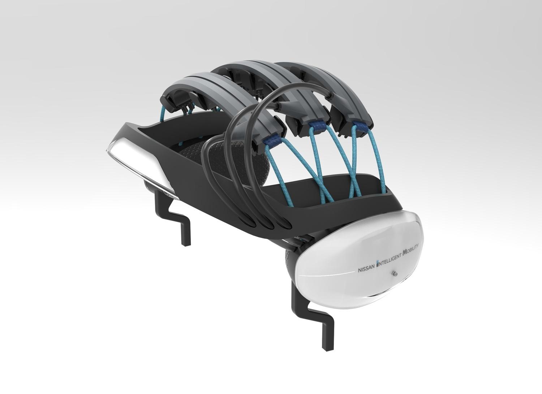 日産製「運転支援技術」ヘッドセット