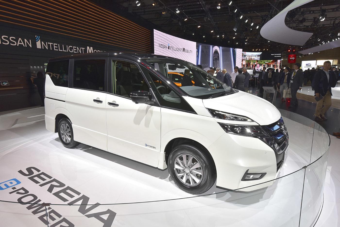 東京モーターショーに出品された「セレナe-POWER」(この時点ではコンセプト版)は、「ハイウェイスター」だった