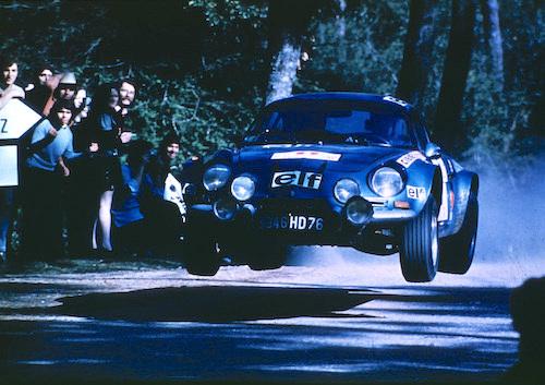 オリジナルのA110は、1973年に初代WRCチャンピオンに輝いたマシン