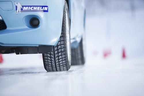 日本での開発を行っているミシュランのX-ICE3+は高速道路などでドライ路面での日常使いにもピッタリ