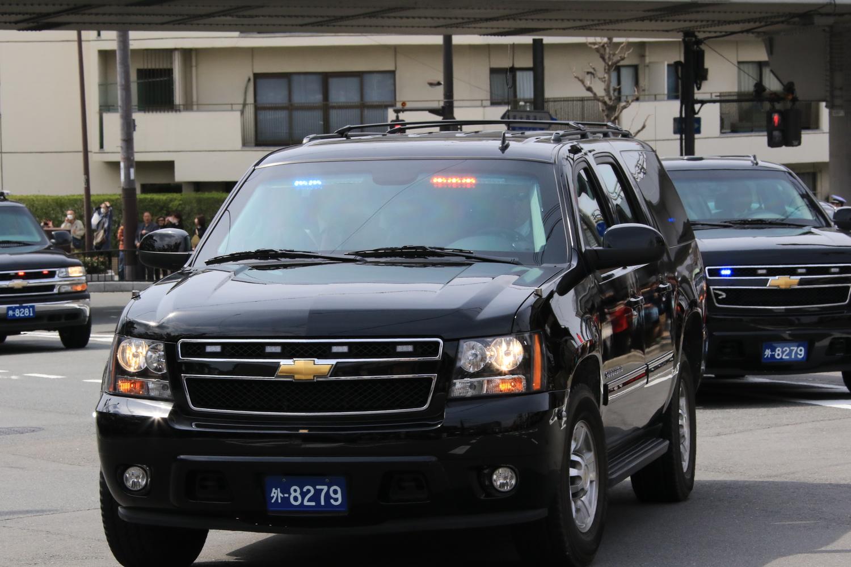 2015年3月に来日したミシェルオバマ大統領夫人(当時)。専用車はシボレーサバーバンであったがナンバーの運用はご覧の通りであった