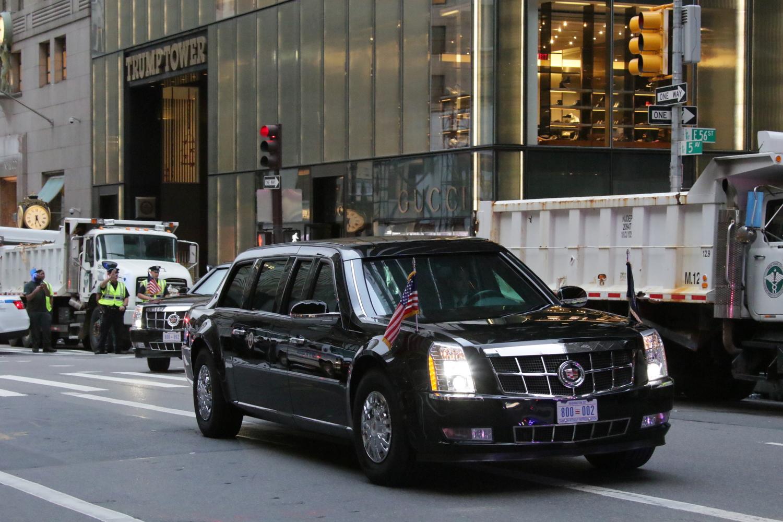 2017年9月にニューヨークで撮影したトランプ大統領専用車。2台の専用車には全く同じ数字のナンバーが付いている