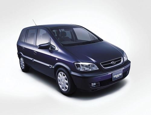 スバル トラヴィックは、オペル ザフィーラのOEM車