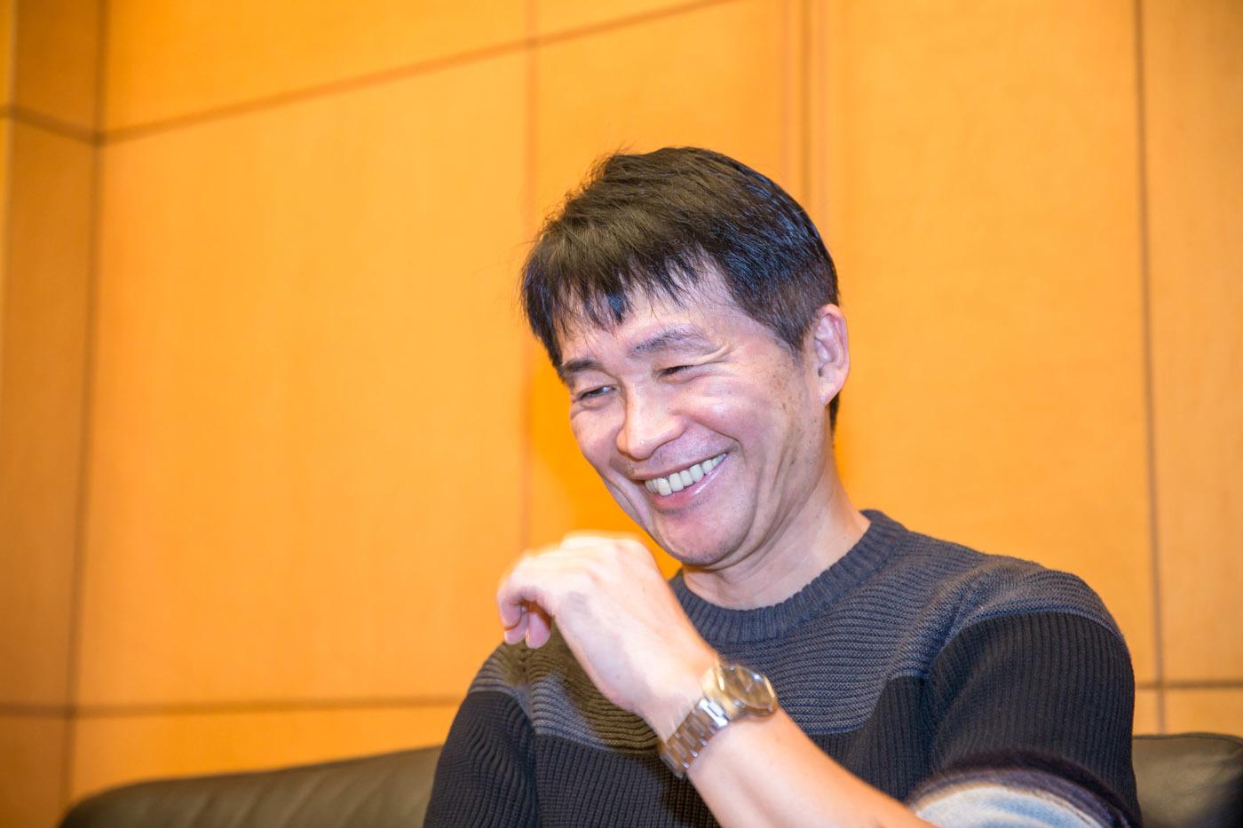しげの秀一氏 1958年新潟県生まれ。1981年漫画家デビュー、1983年『バリバリ伝説』が週刊少年マガジンで大ヒットする。1995年から2013年まで週刊『ヤングマガジン』で『頭文字D』を連載、単行本累計5000万部の大ヒットになる。2017年9月から週刊ヤングマガジンで『MFゴースト』を連載中。