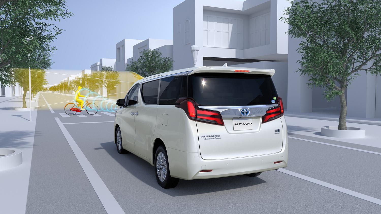 衝突軽減ブレーキを含む、第2世代の安全技術パッケージ「トヨタセーフティセンス」を全車標準装備とした。英断