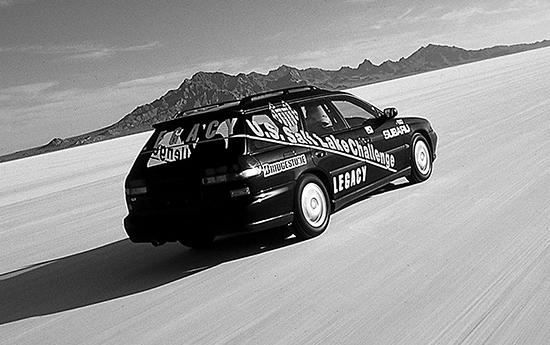 発売前にツーリングワゴンはユタ州ソルトレイクシティのボンネビル・スピードウエイで1㎞区間を平均249.981km/hで走り、世界最速ワゴン記録を樹立した