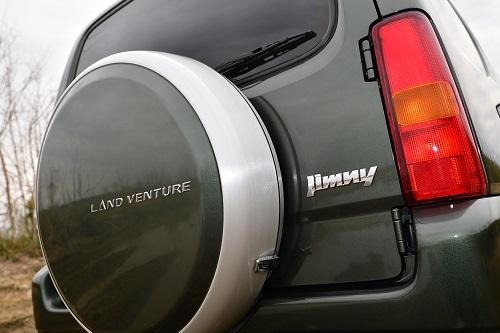 特別仕様車のランドベンチャー。価格は169万1280円(4AT車)で5MT車は10万円ほど安い