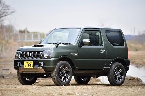 ジムニー ランドベンチャー/全長×全幅×全高:3395×1475×1680mm、JC08モード燃費:13.6km/L(4AT車)