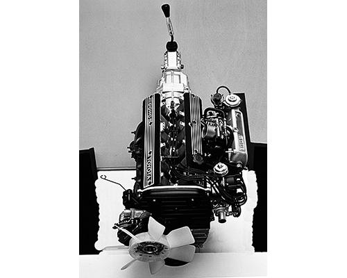 ソアラと同じ5M-GEUエンジンを搭載。ソアラの1300kgに対し1235kgと軽く、ピックアップもよかった